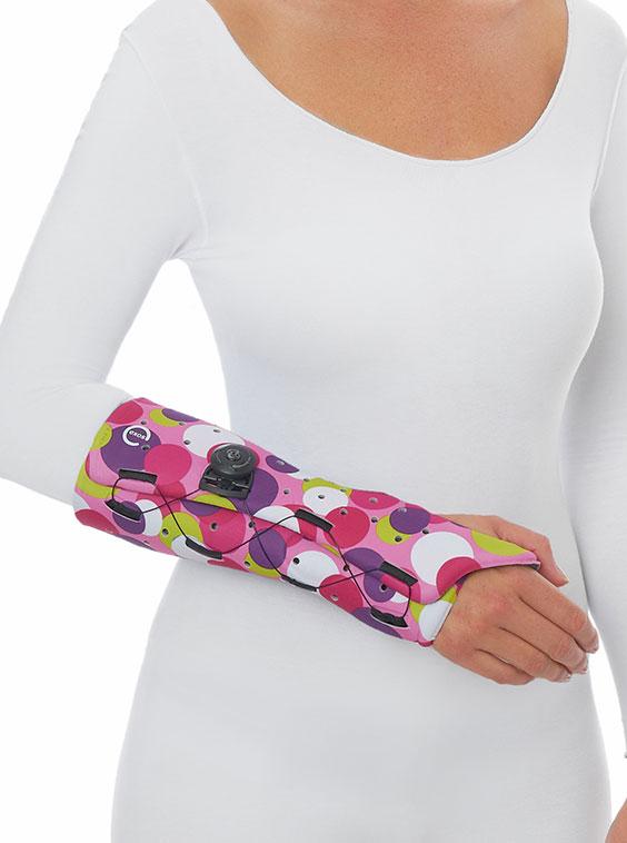 Short arm fracture cast brace